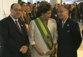 https://mysterybabalon.files.wordpress.com/2012/03/raposo-tavares-dilma-e-bispo-edir-macedo-cerimonia-de-posse.png